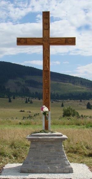 Crucea-Izvor
