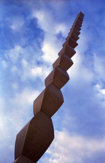 coloana-infinitului-din-tg-jiu